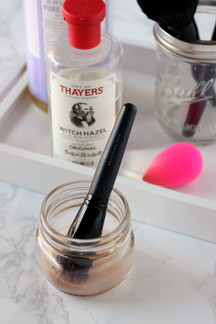 make-up-brush-cleaner
